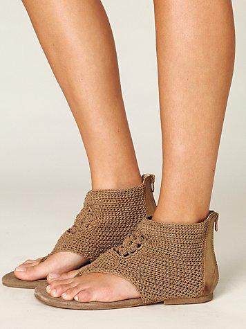 Petunia Sandal