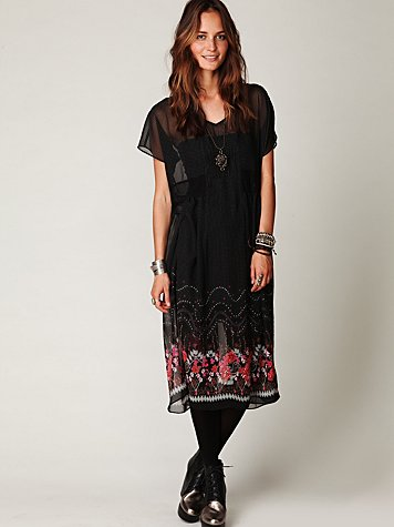 Native Rose Shapeless Short Sleeve Dress