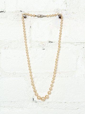 Vintage Creme Costume Pearl Necklace