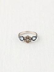 6 Petal Flower Ring
