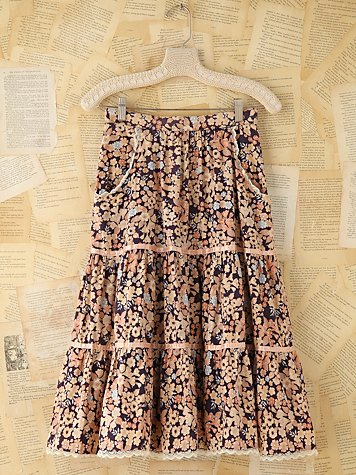 Vintage Floral Skirt With Pockets