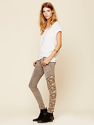 Navarra Embroidered Relaxed Skinny