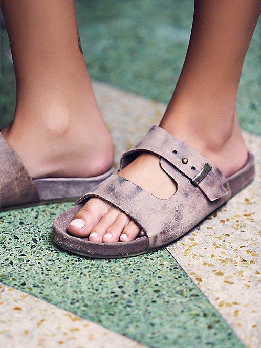 Rosewood Footbed Sandal