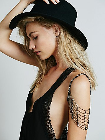 Tiered Shoulder Chain
