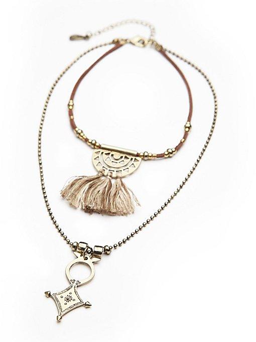 Threaded Tassel Short Necklace