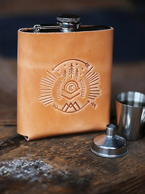 Signature Flask Gift Set