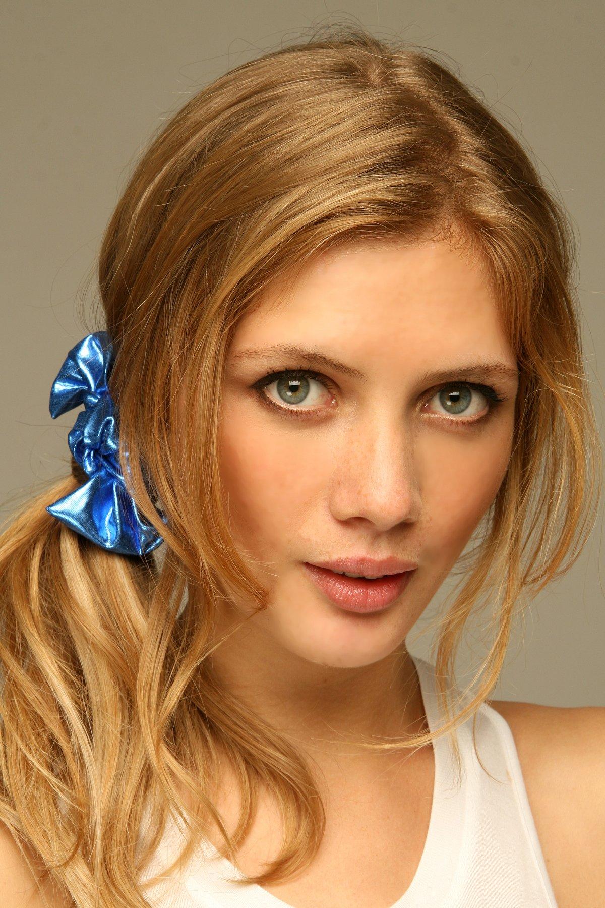 Metallic Bow Hair Tie