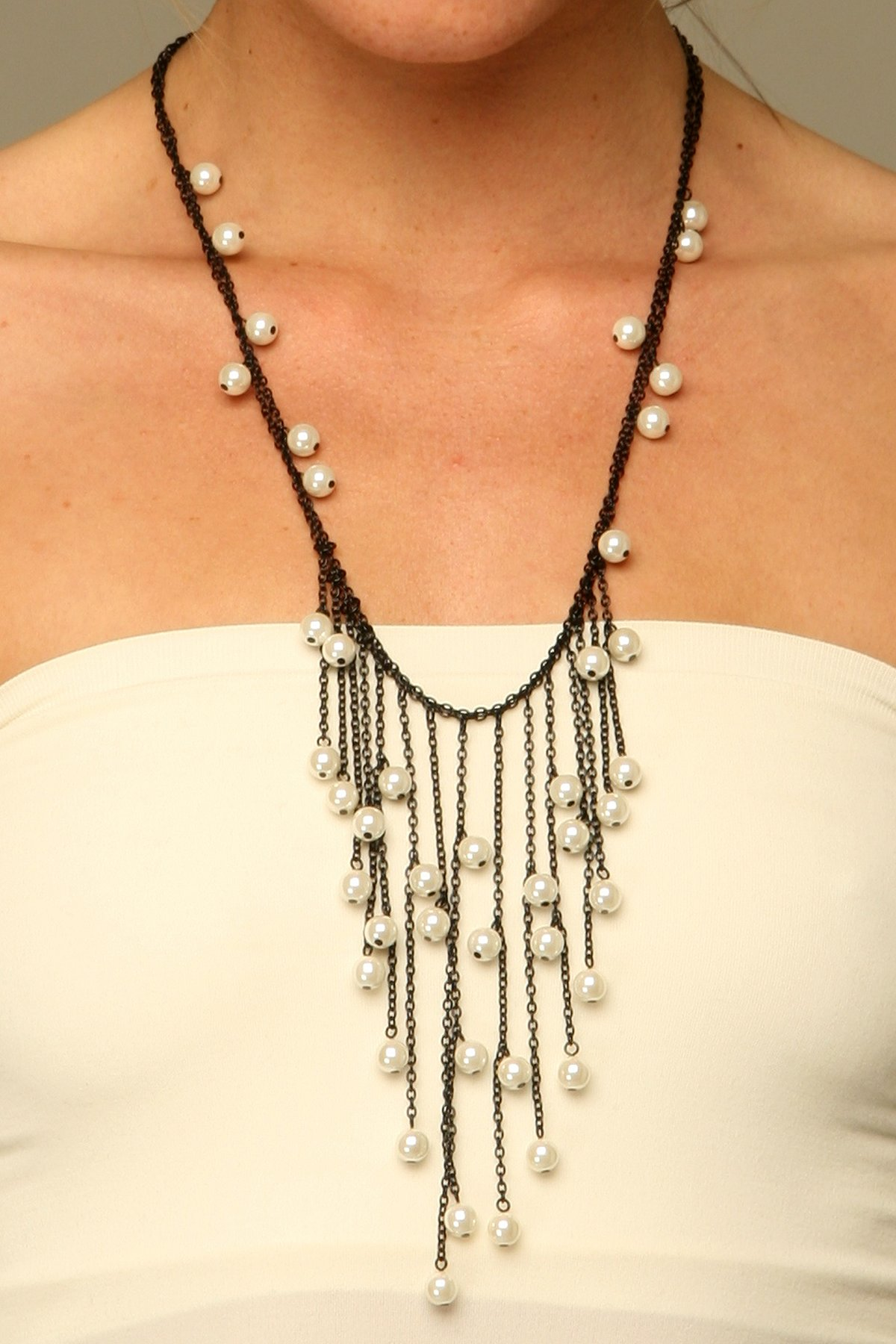 Dripping Pearls Necklace