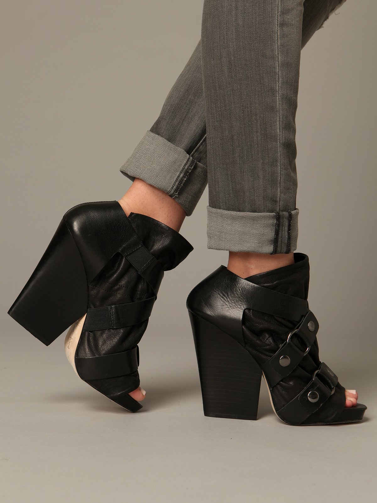 Marley Crisscross Wedge
