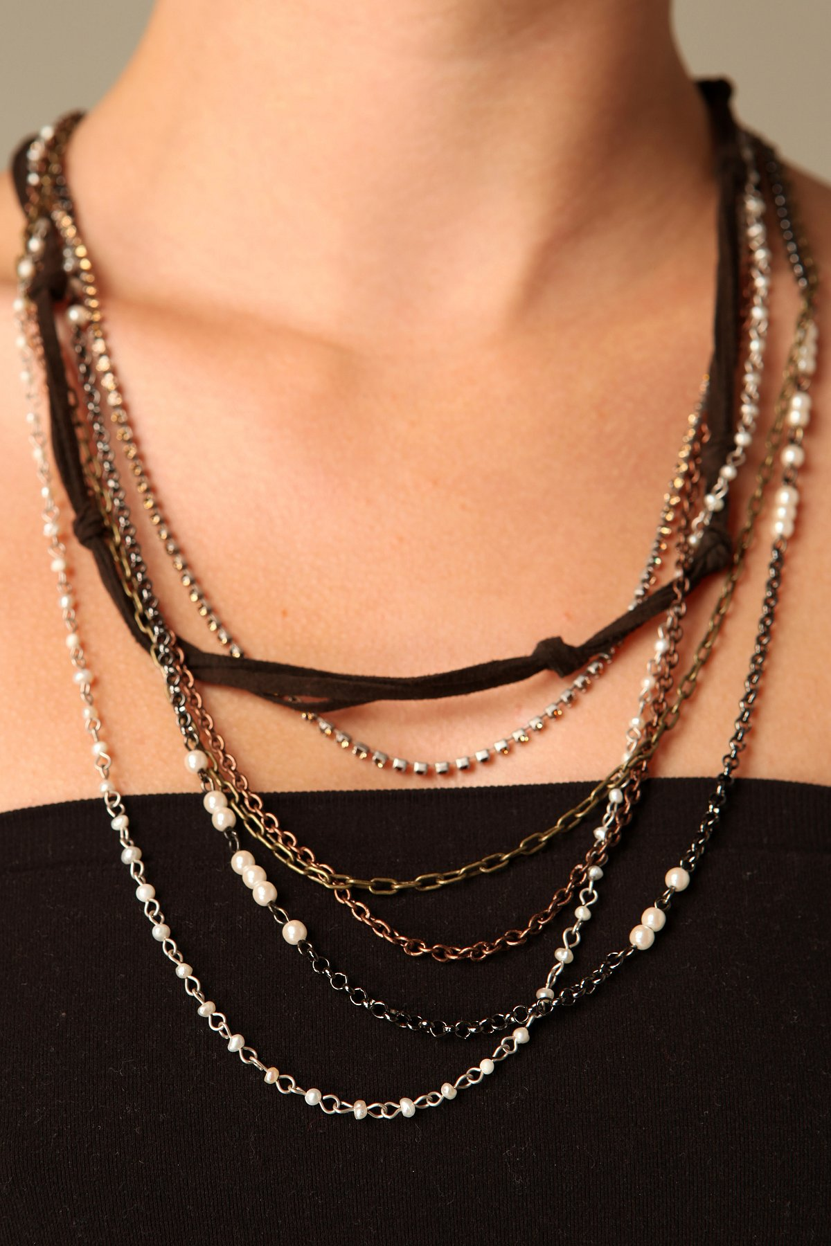 Mixed Pearls Layering Necklace