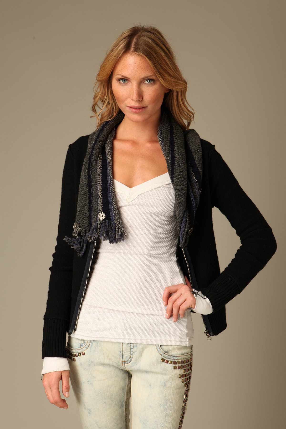 Zip Up Cable Neck Cardigan