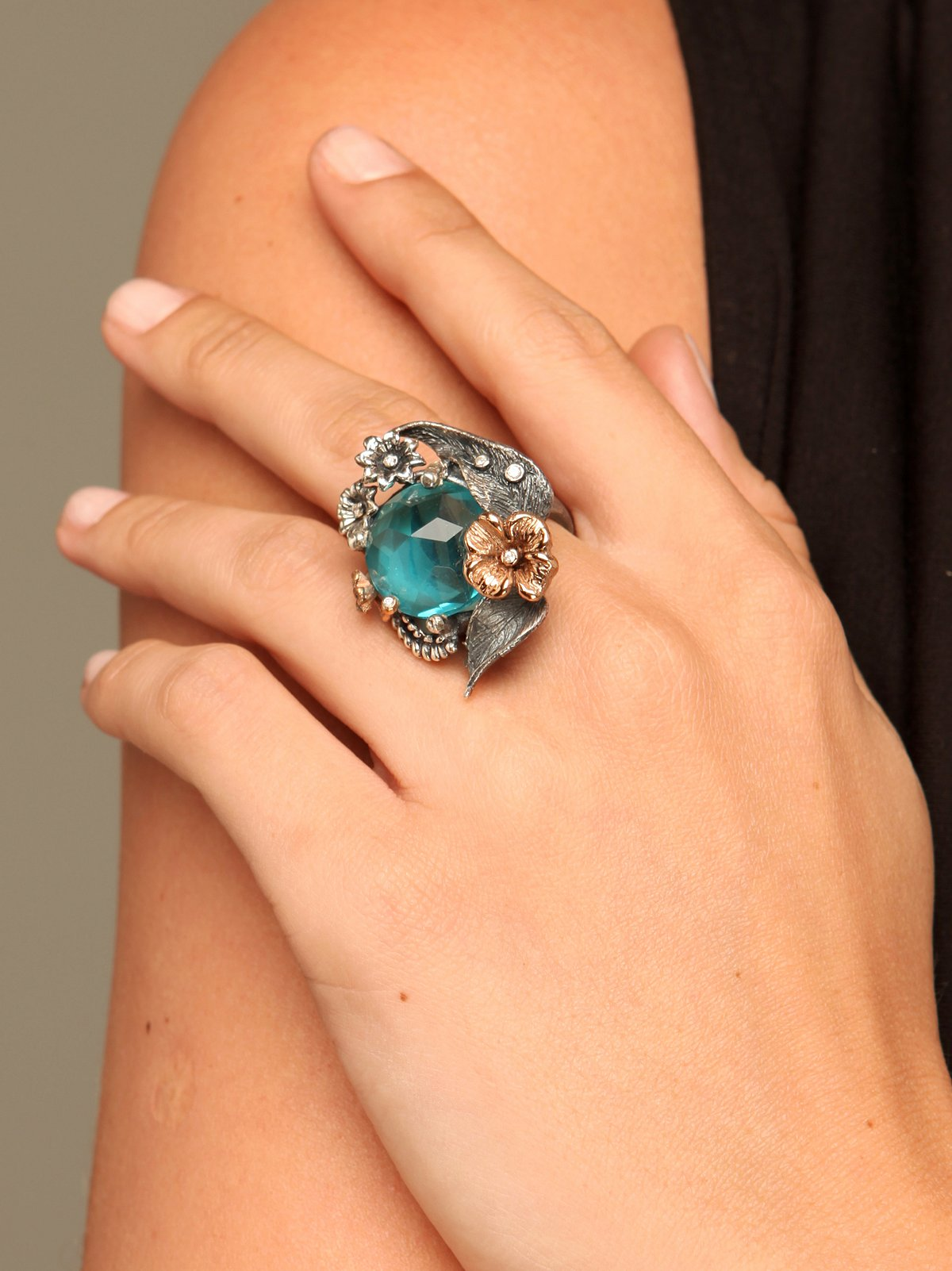 Emerald Wings Ring
