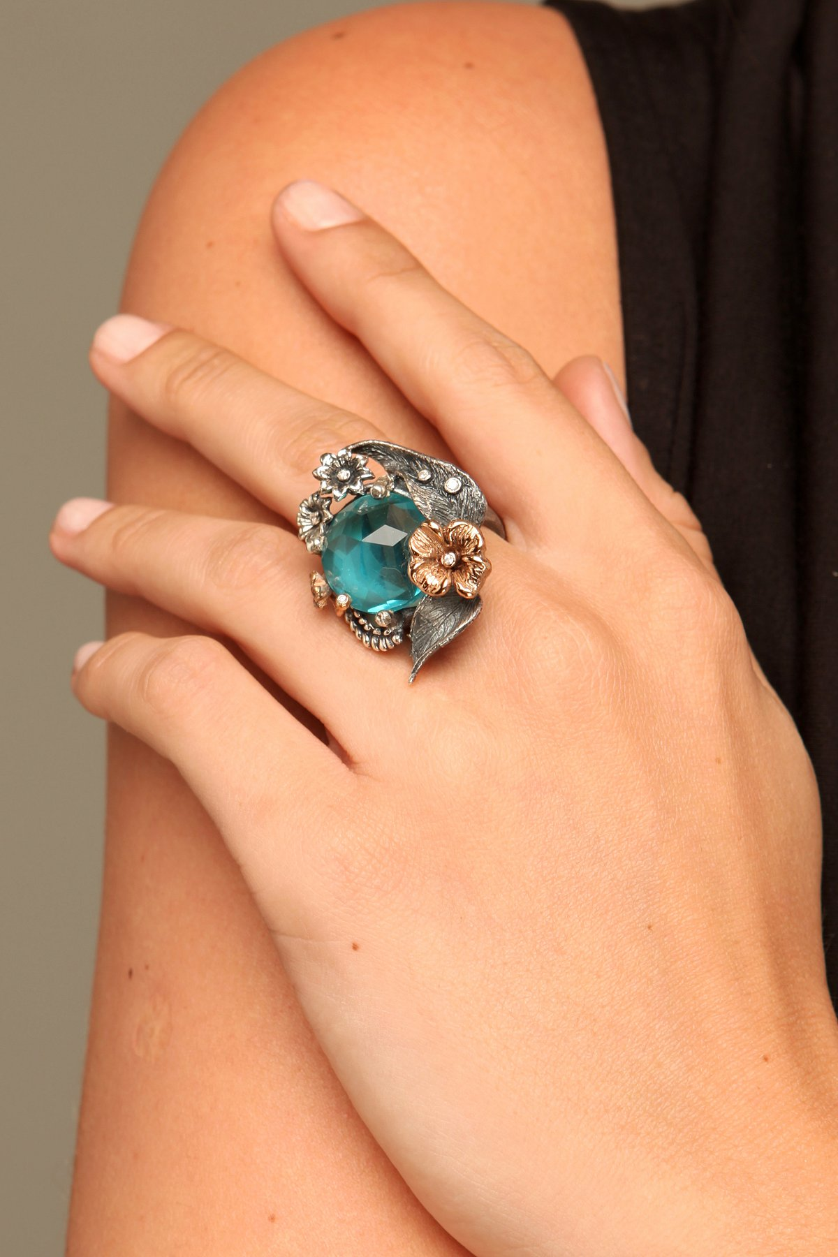 Emerald Wings Ring