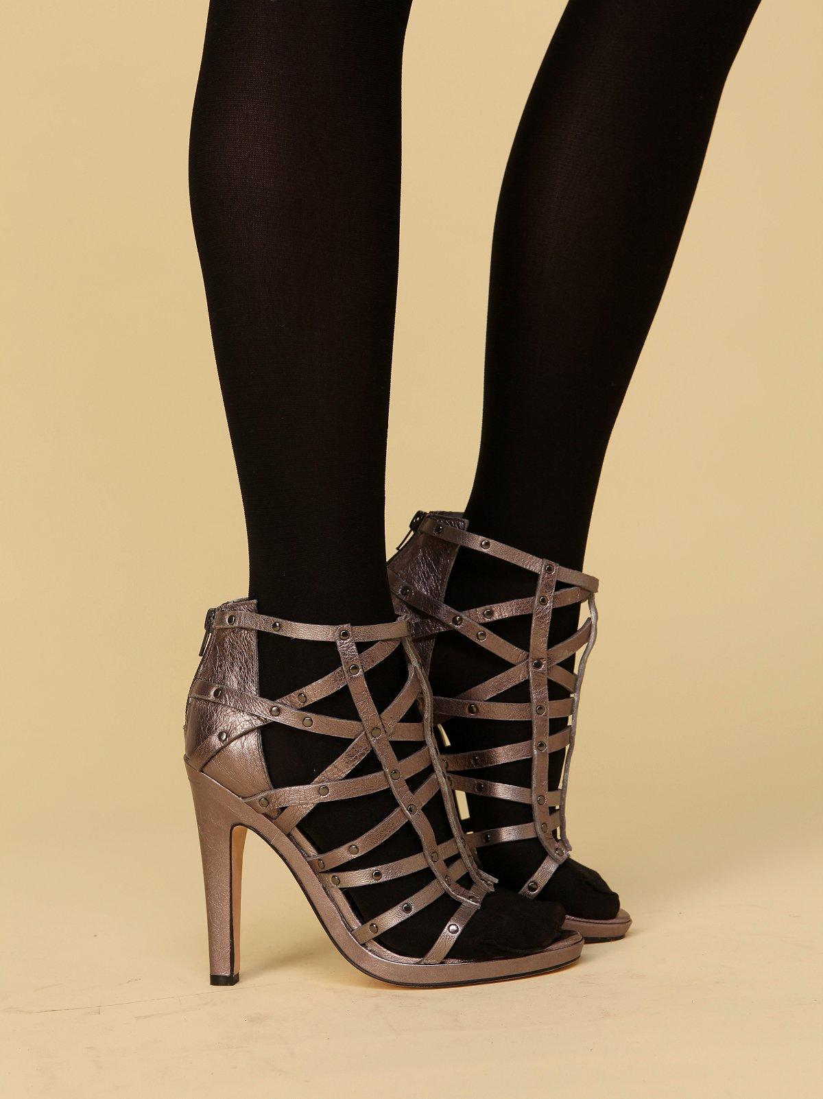 Victoria Criss Cross Heel