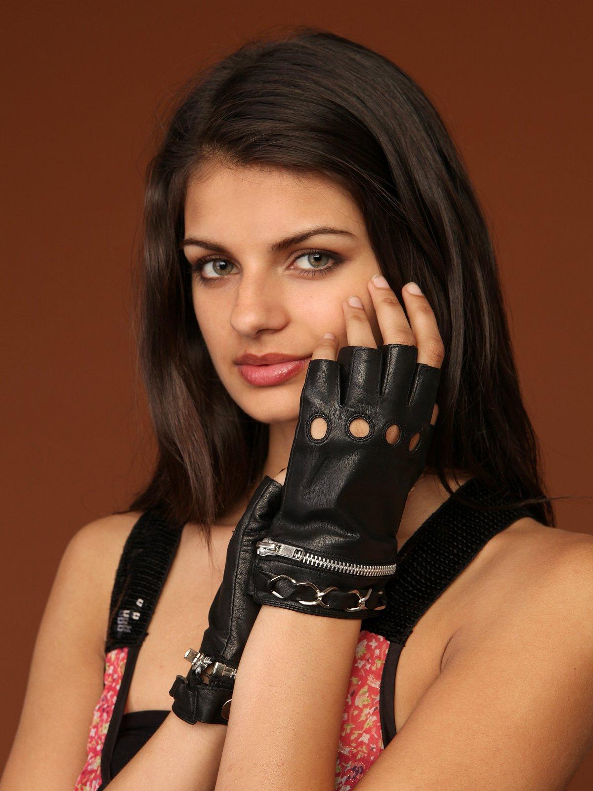 Chain Zip Fingerless Glove