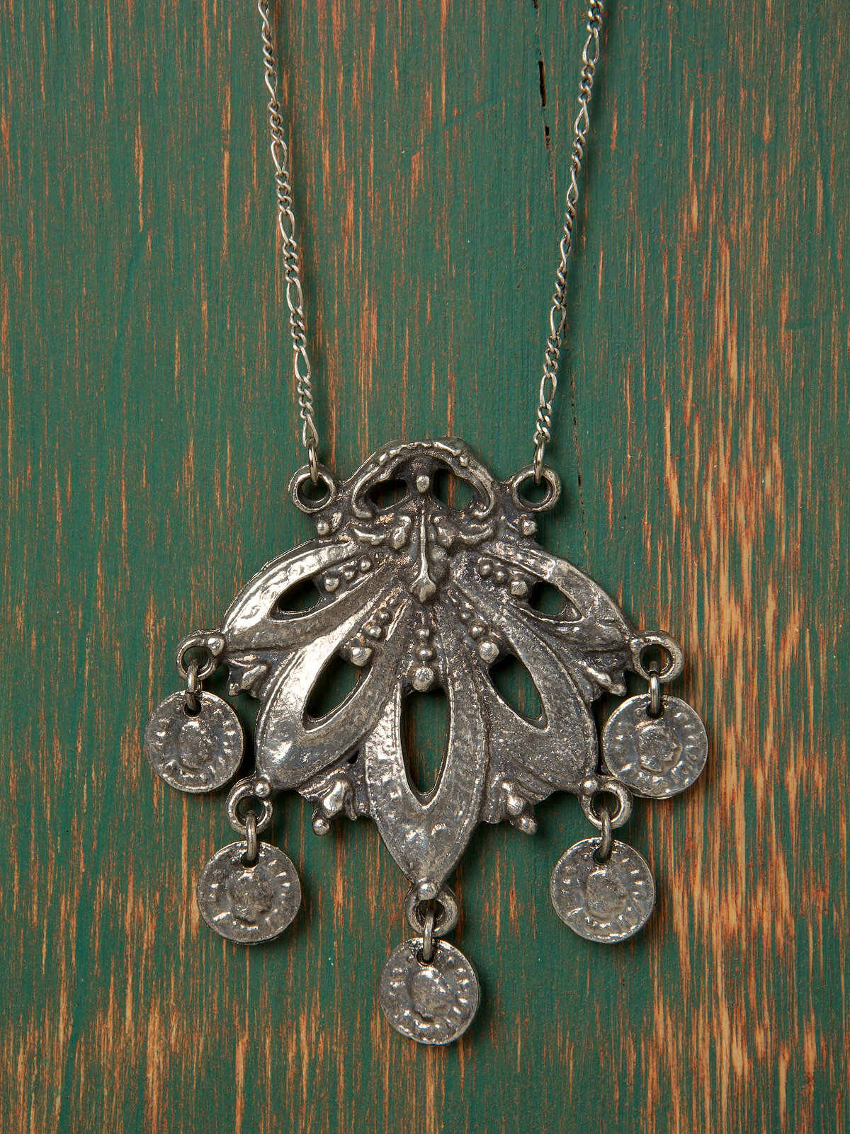 Ancient Fan Necklace