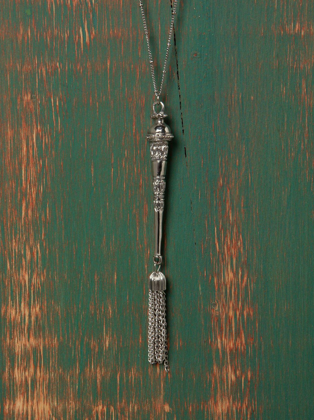 Dusting Tassle Necklace