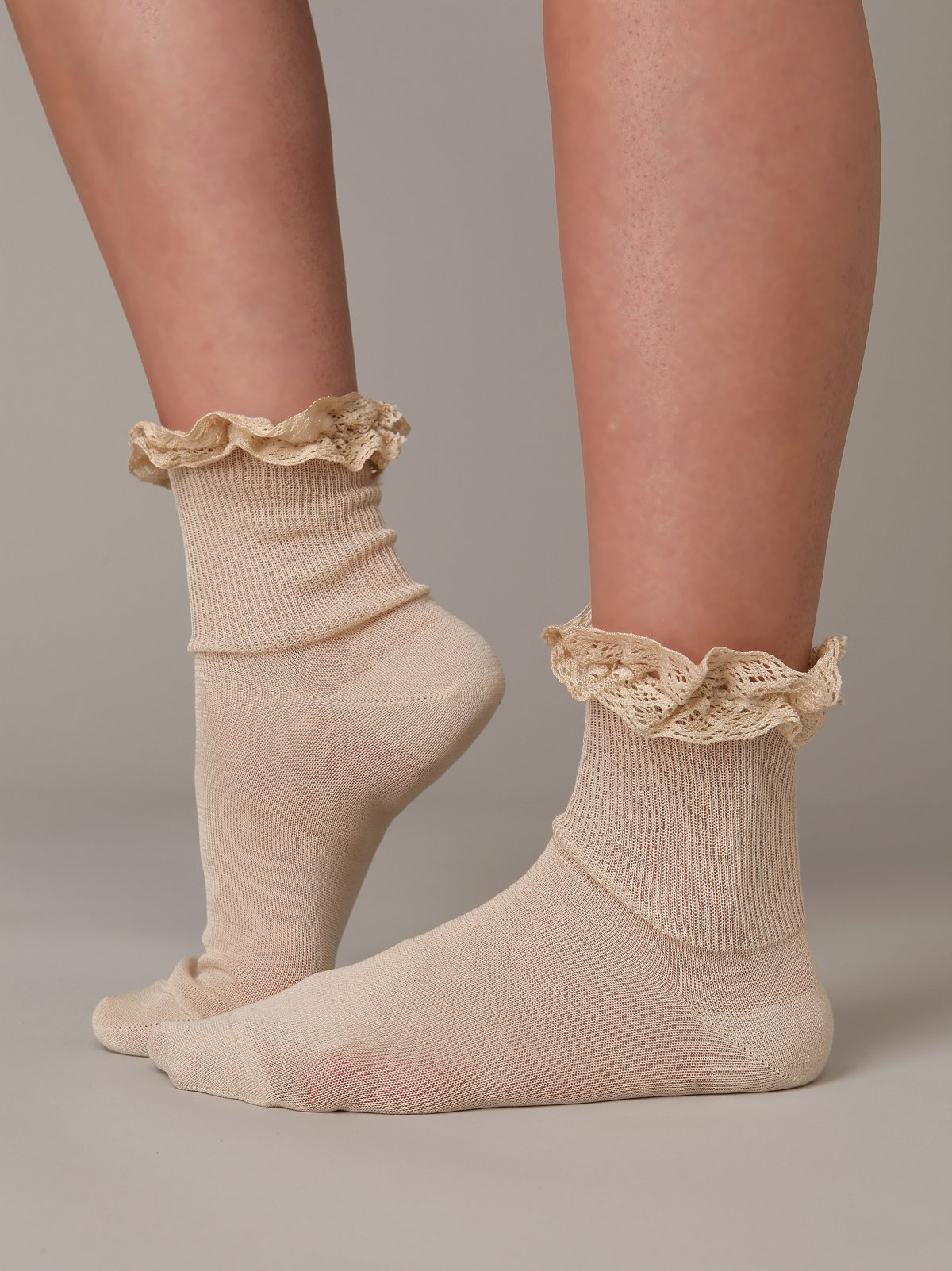 Mercerized Lace Trim Sock