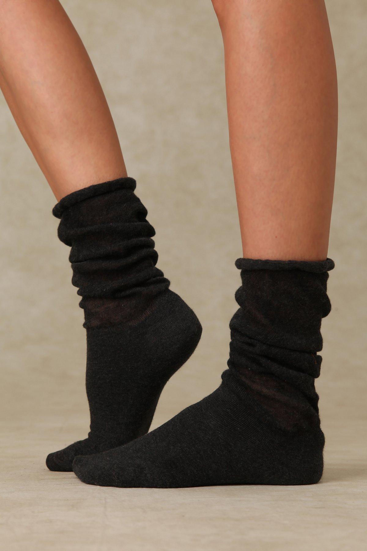 Ruffle Slouch Sock