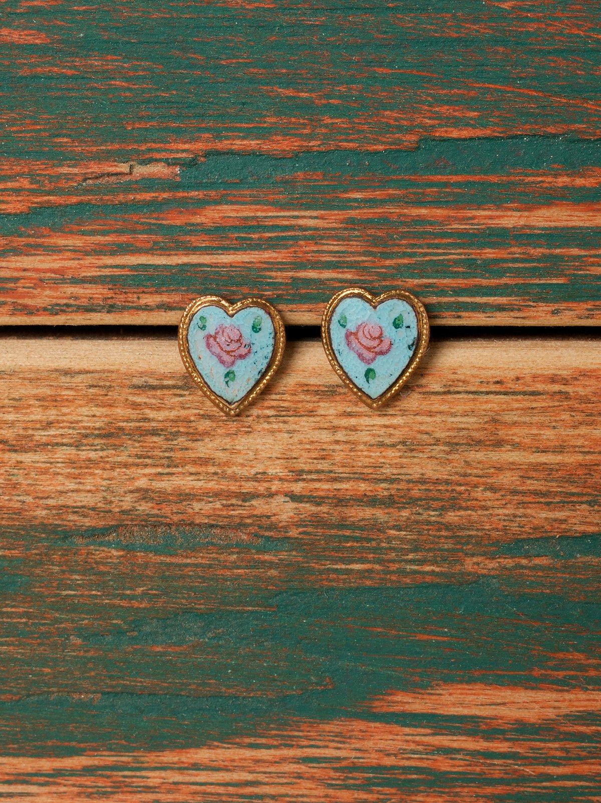 Hansel Mini Heart Studs