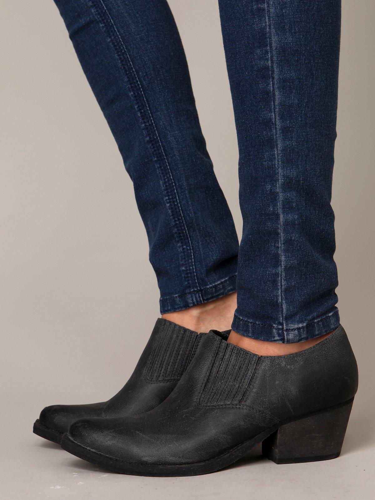 Slicker Boot