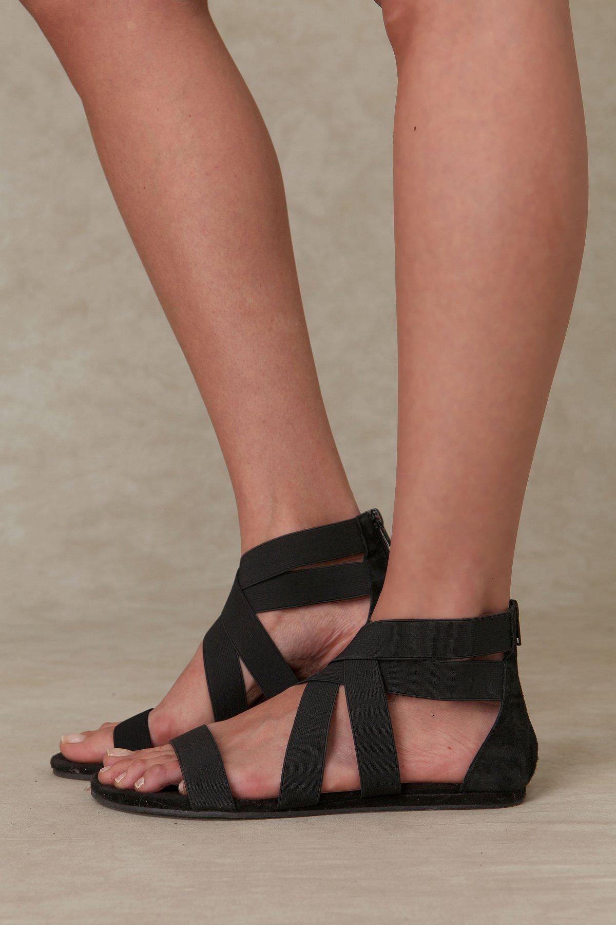 Liv Stretch Sandal