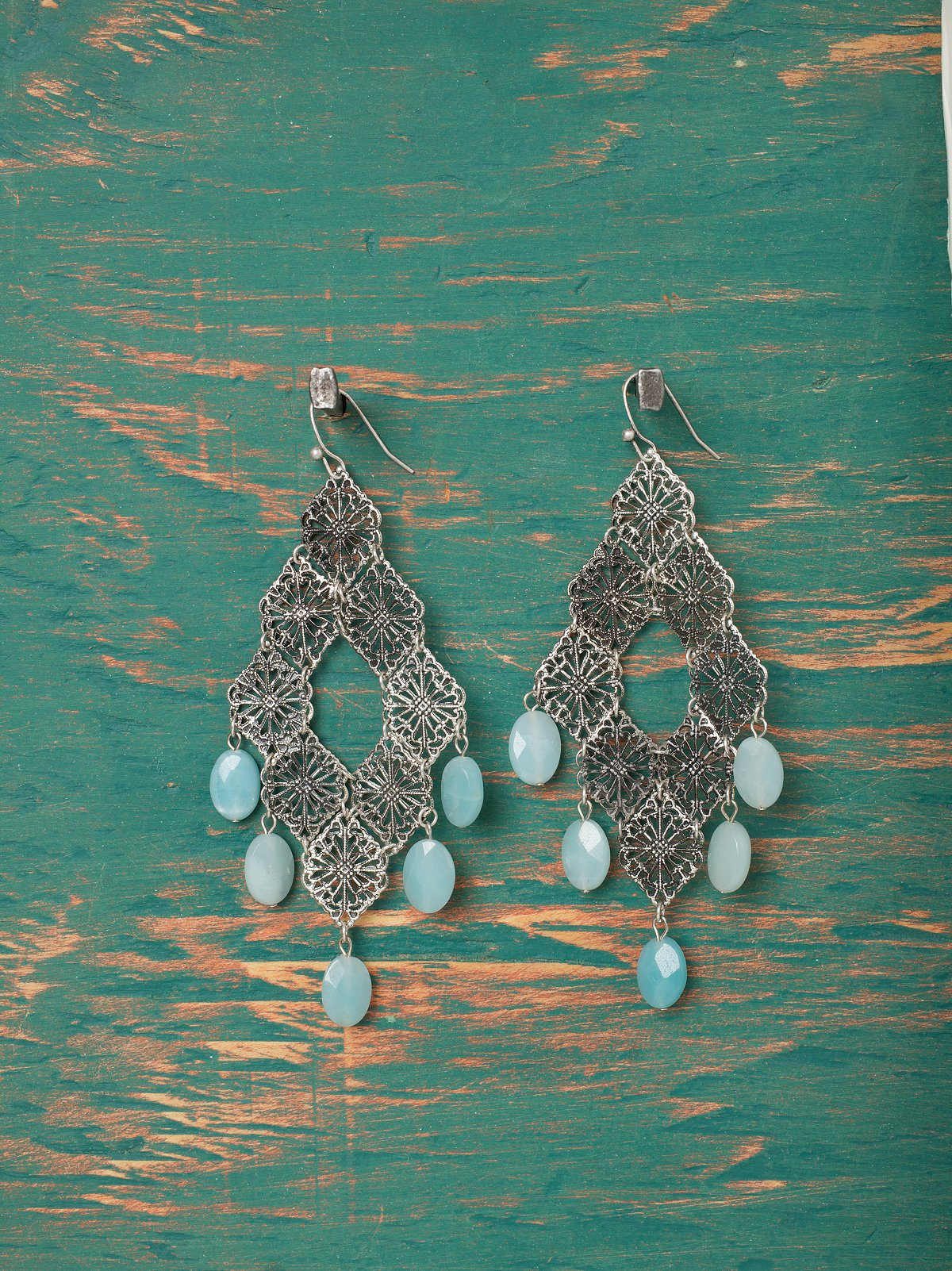 Pressed Filigree Stone Earring