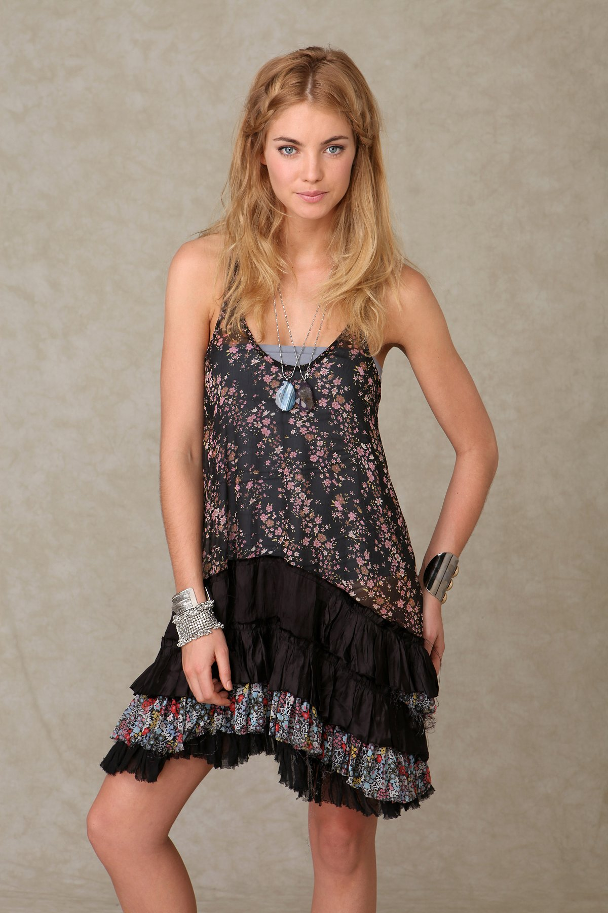 Kissaria Ruffled Dress