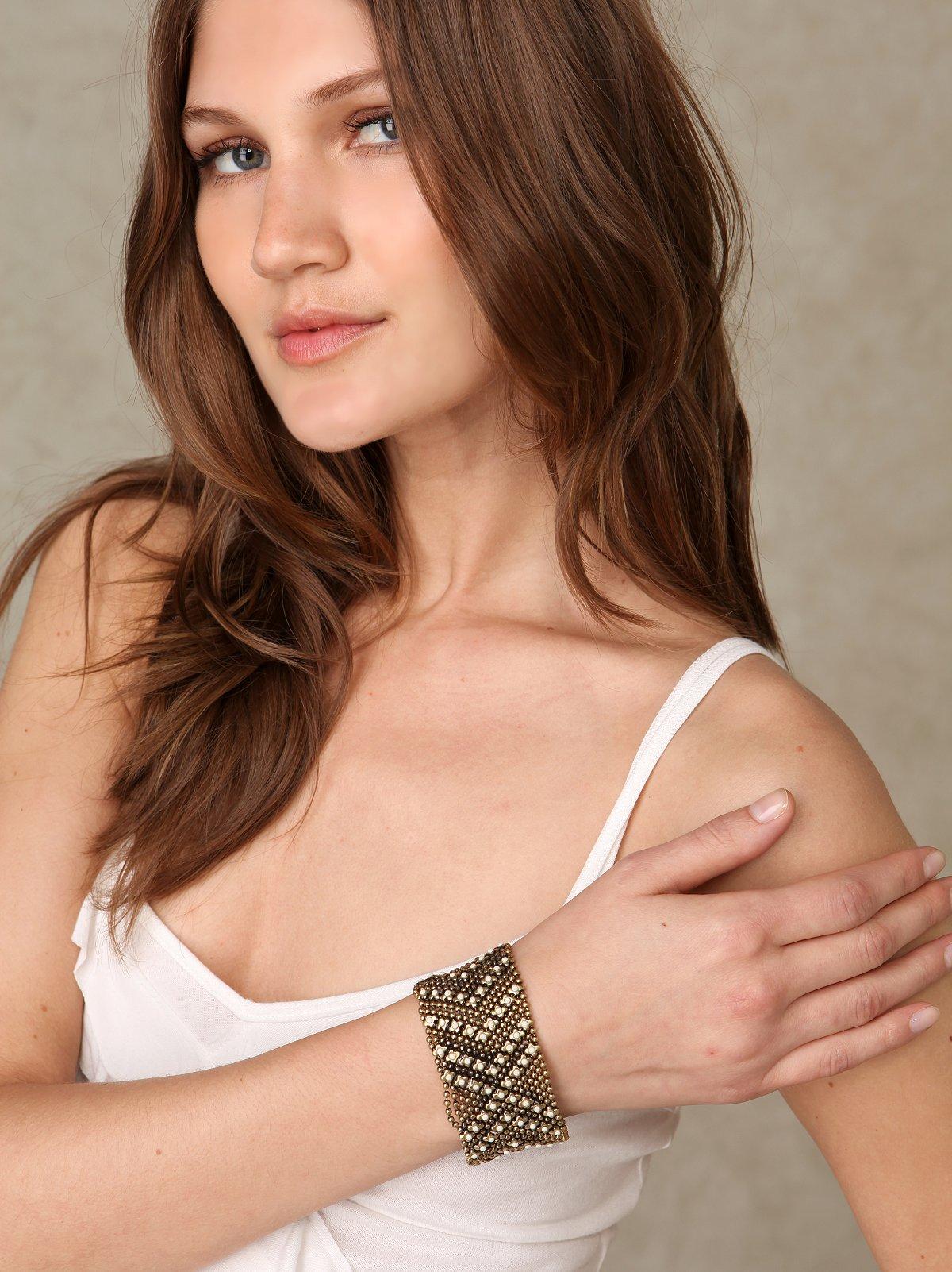 Stone & Chainmail Bracelet