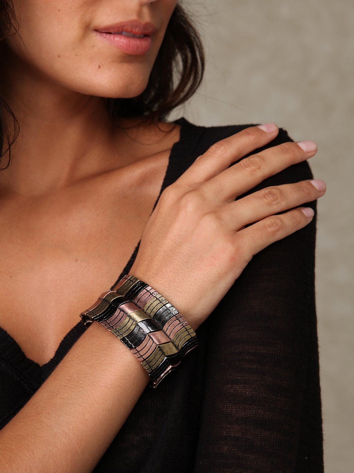 Metal Wave Bracelet