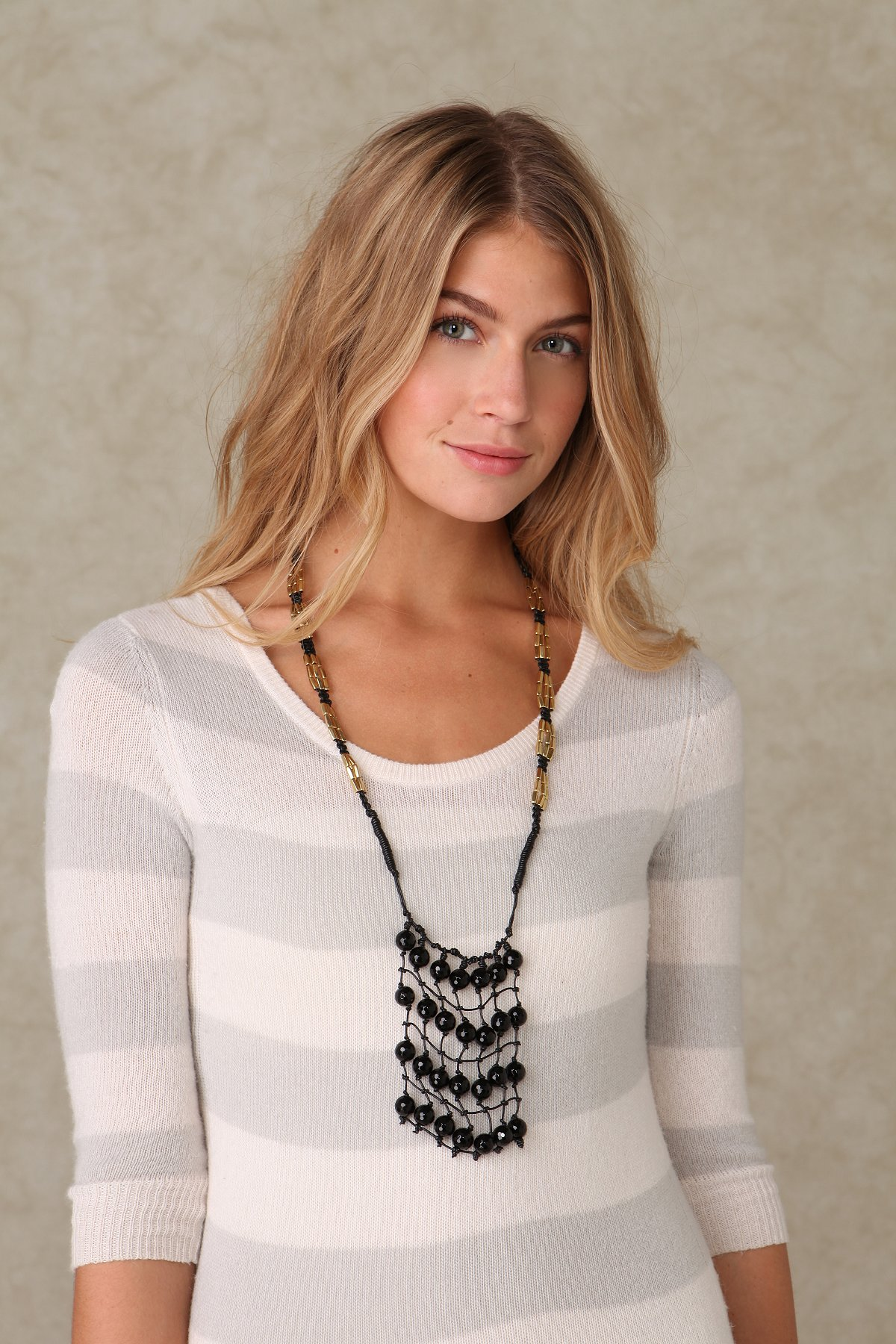Hanging Net Necklace