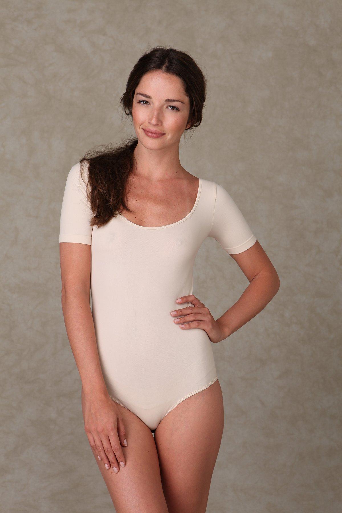 Solid Short Sleeve Scoop Bodysuit