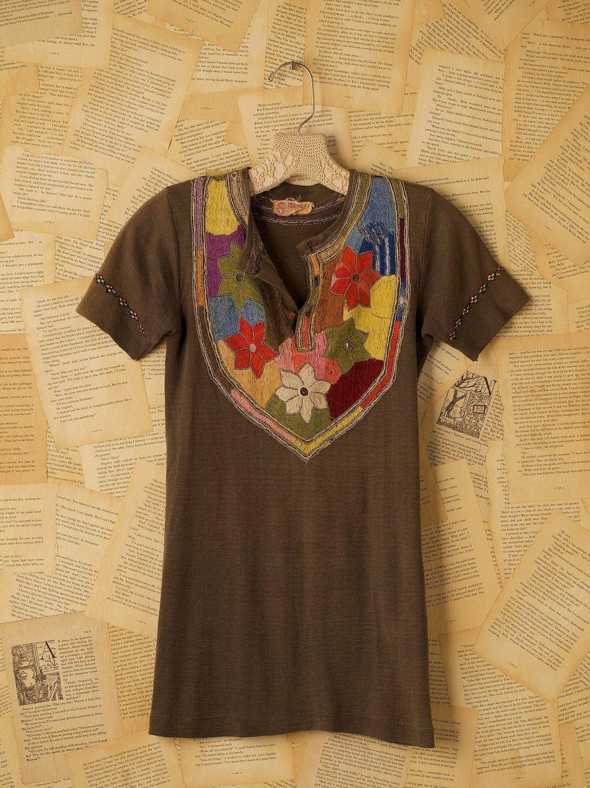 Vintage Embroidered Short Sleeve 3-Button Shirt