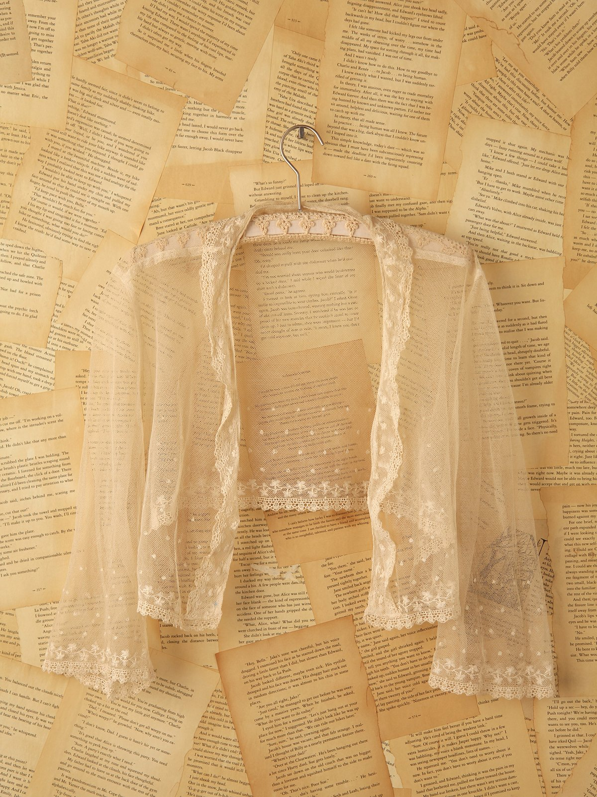 Vintage White Lace Top with Embroidery
