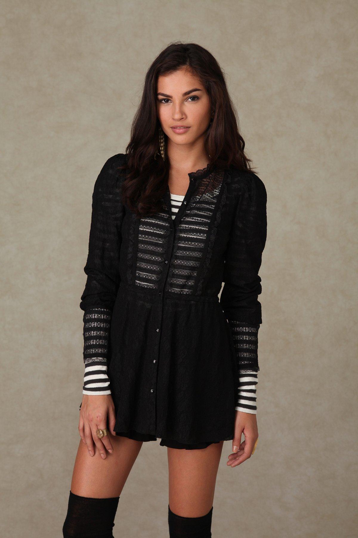 Long Sleeve Lace Buttondown Tunic