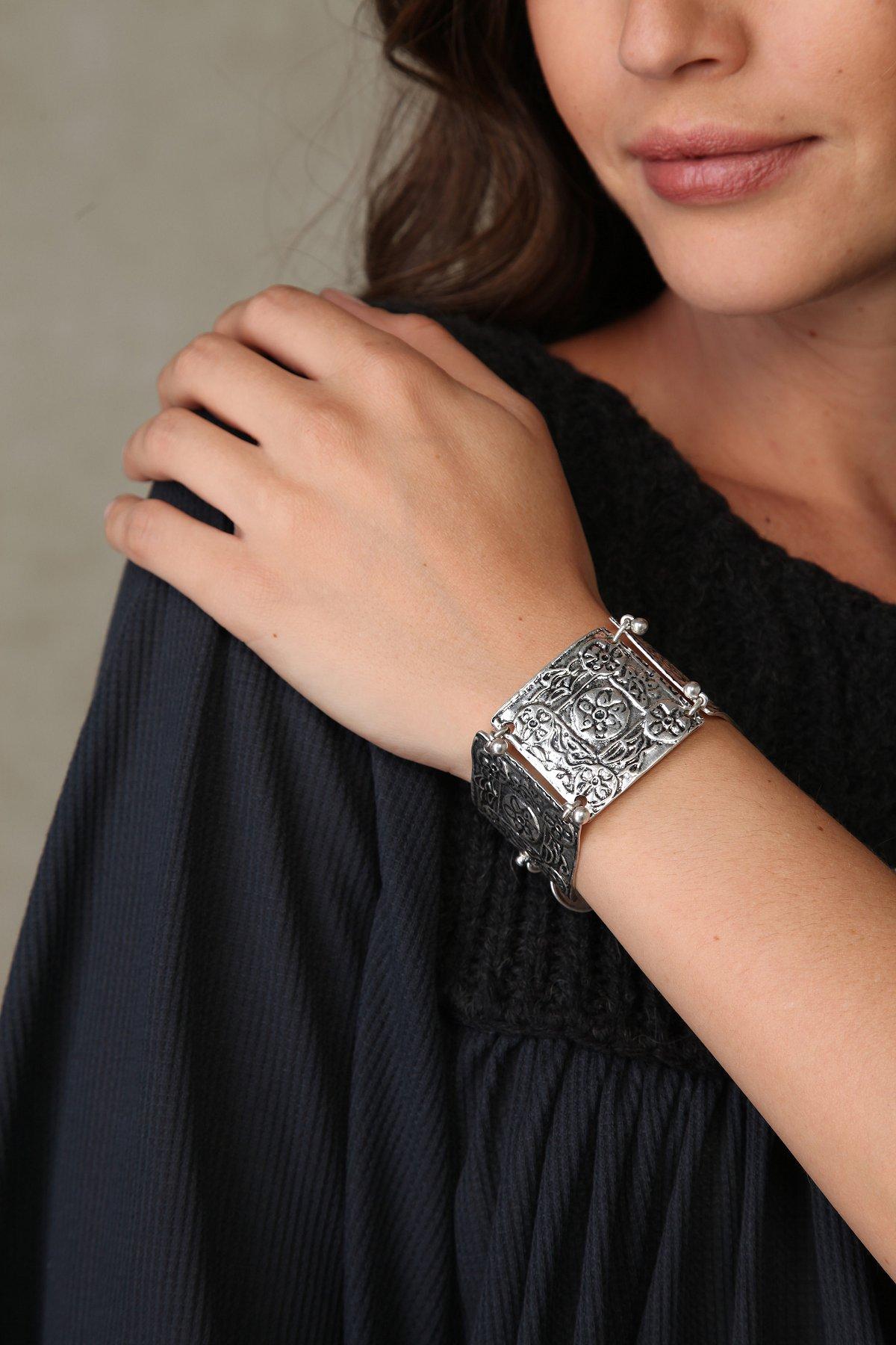 Engraver's Block Bracelet
