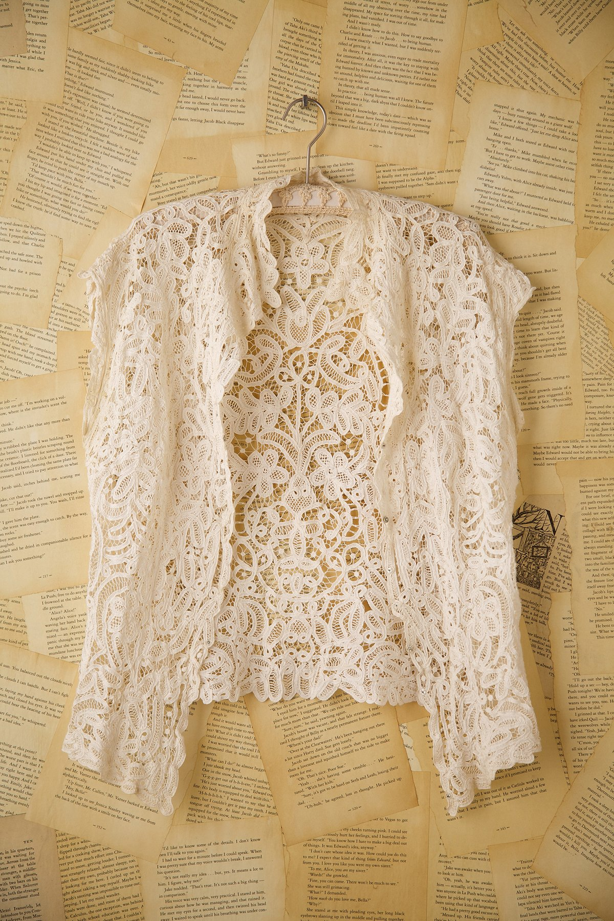 Vintage 1920s Irish Lace Sleeveless Shirt