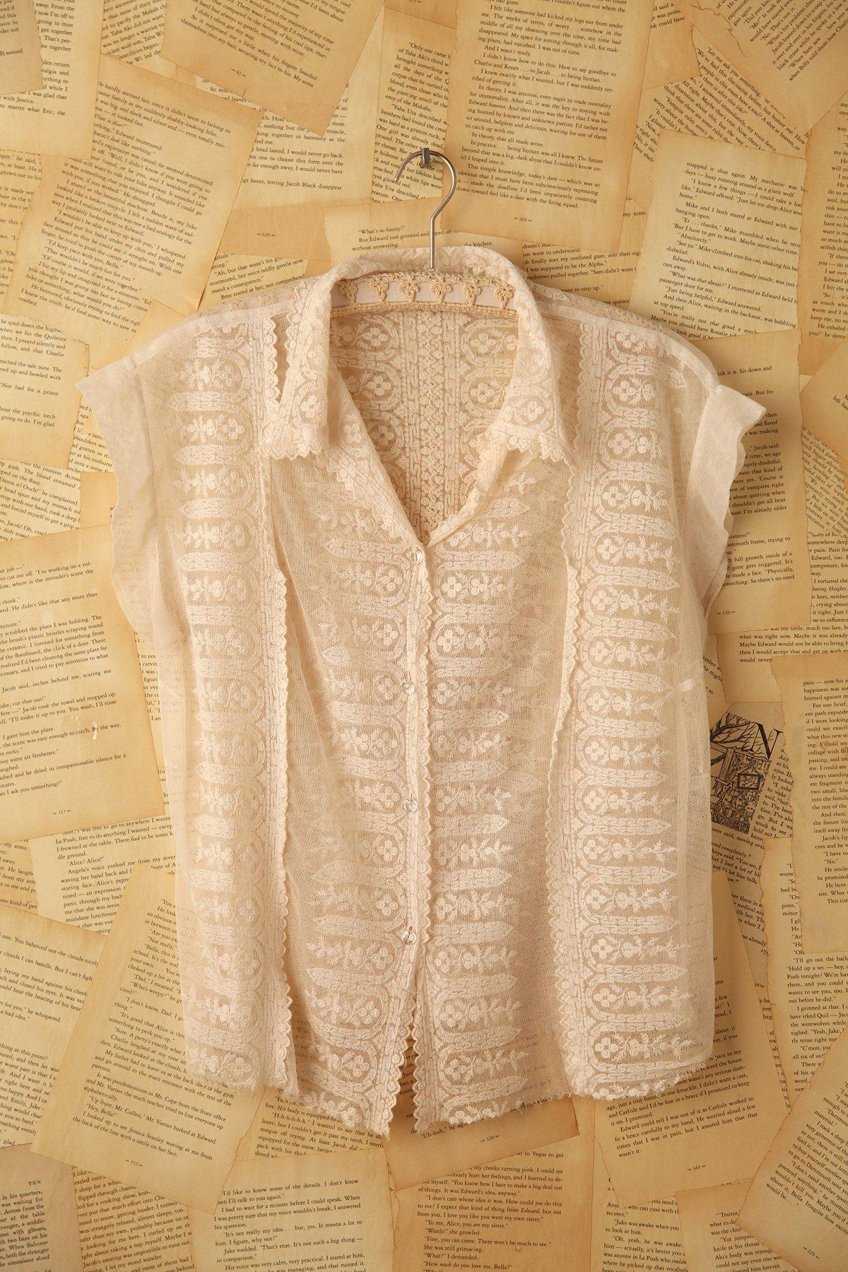 Vintage Short Sleeve Lace Blouse