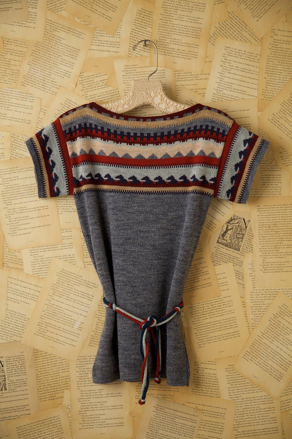 Vintage Short Sleeve Sweater with Belt