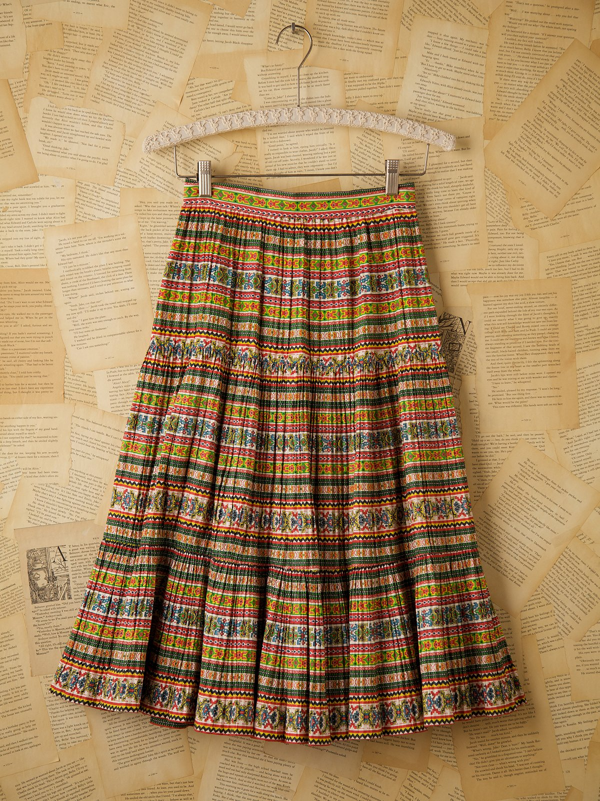 Vintage 1940s Printed Skirt with Pleats