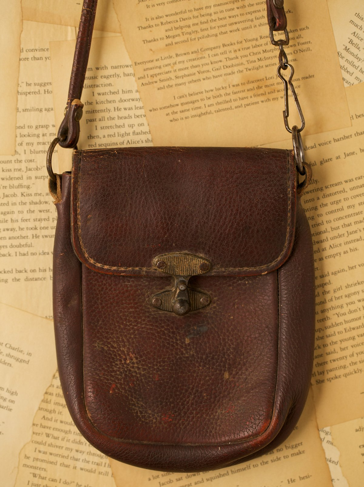 Vintage Small Leather Bag with Metal Closure