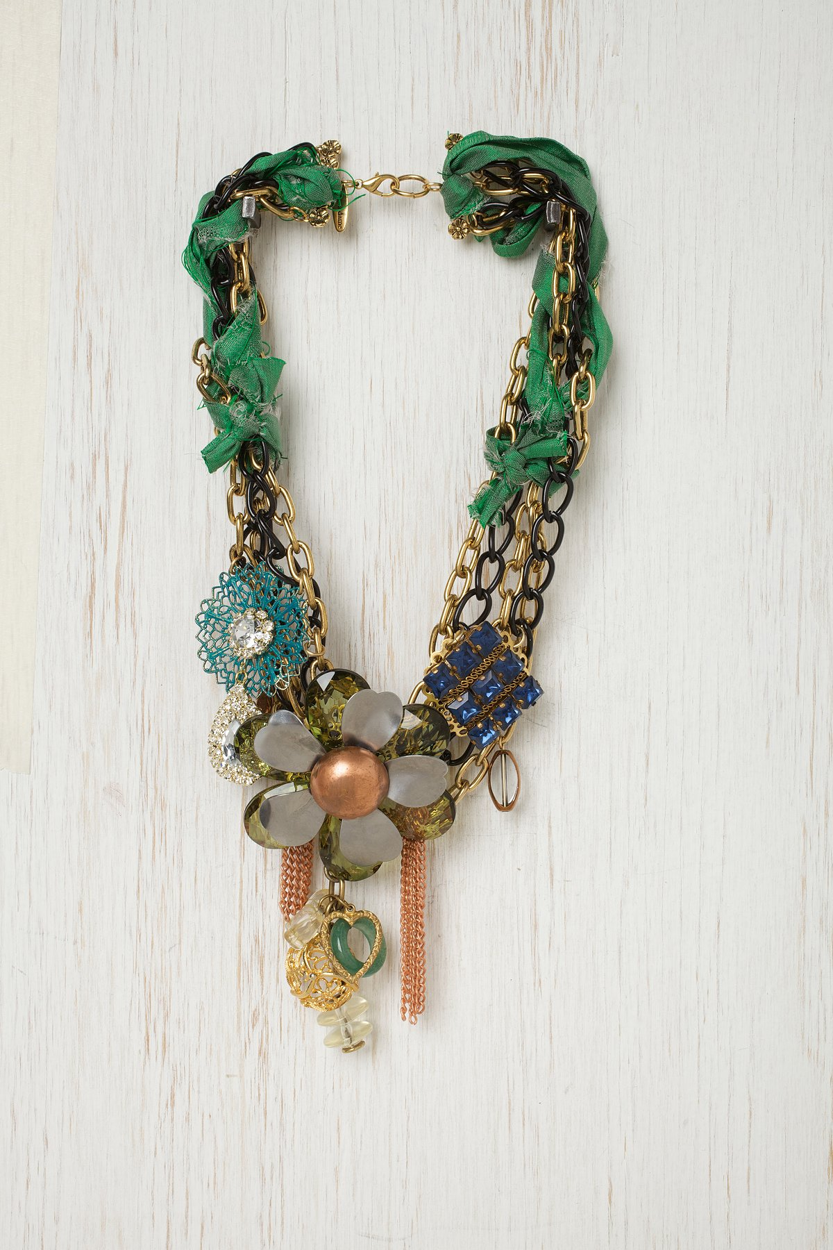 Green Ribbon Glam Necklace