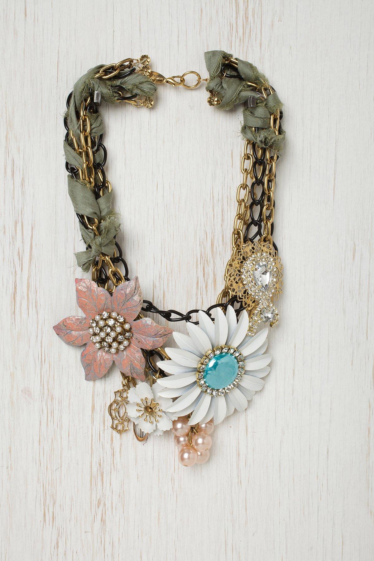 Olive Ribbon Glam Necklace