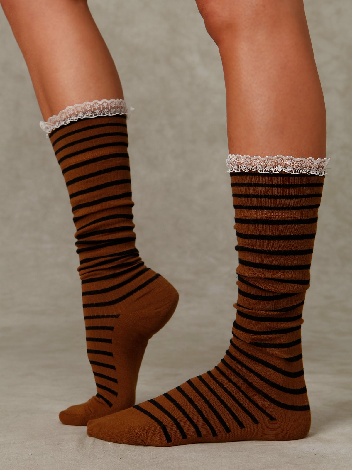 Stripe Lace Knee Sock