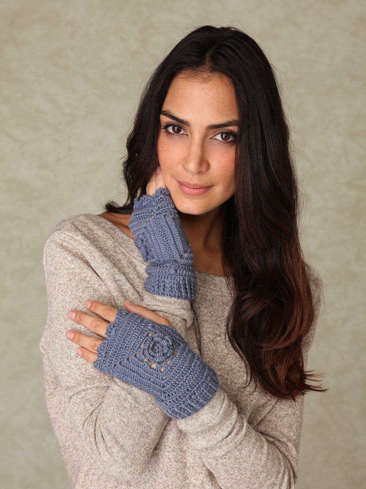 Crochet Palm Warmer