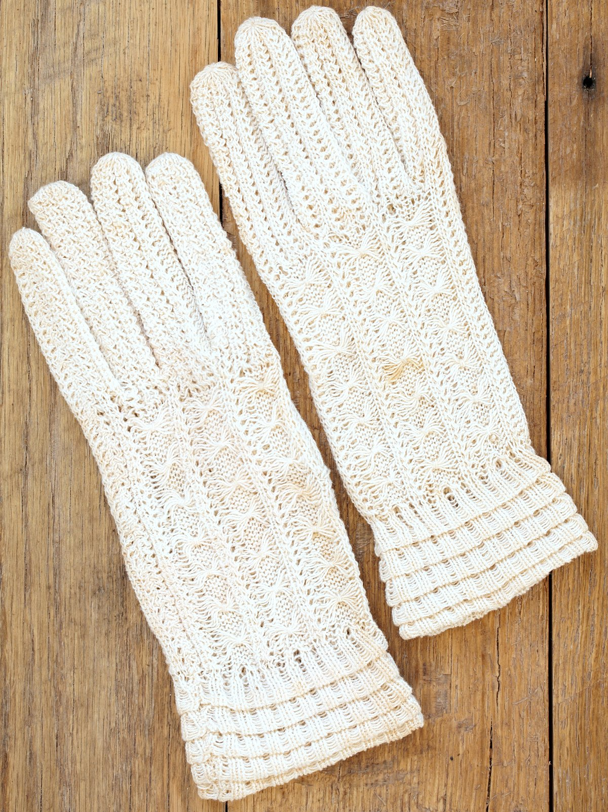 Vintage Hand Knit White Gloves