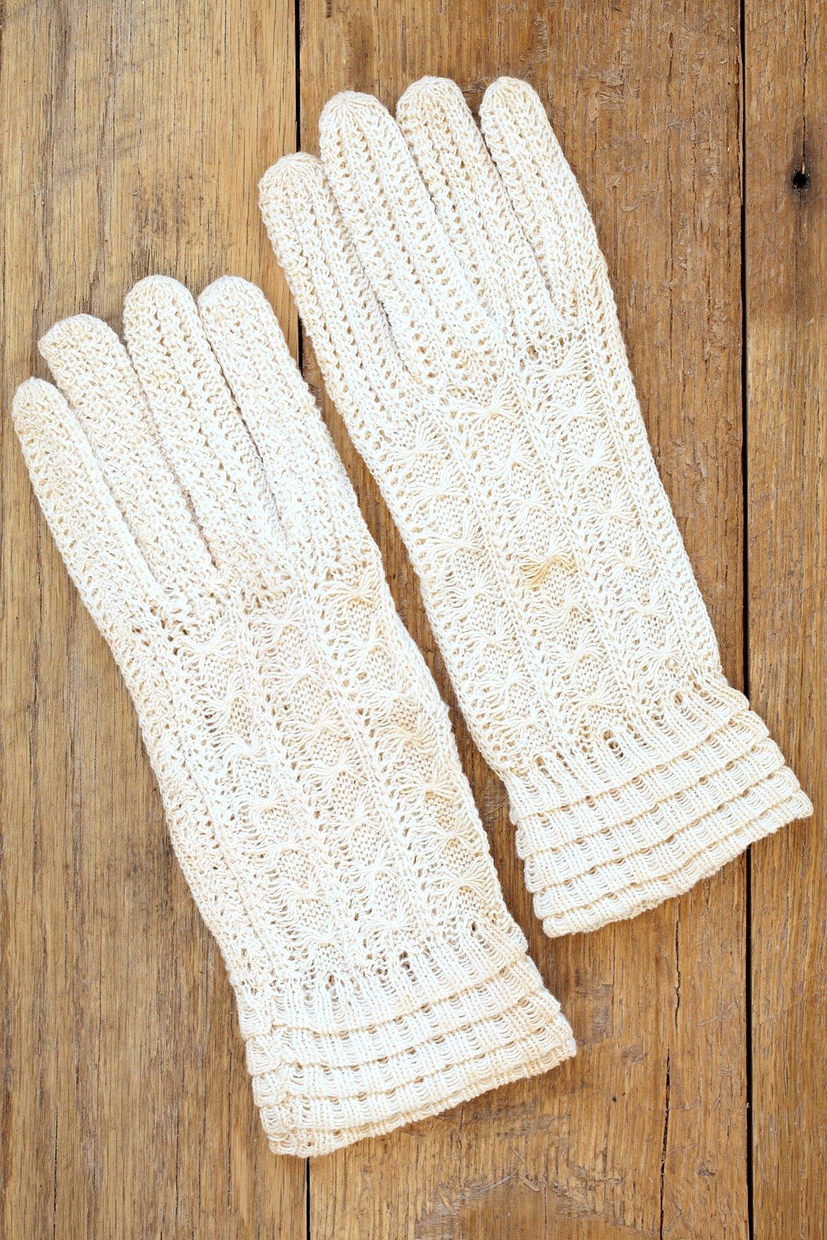 Vintage Hand Knit White Gloves