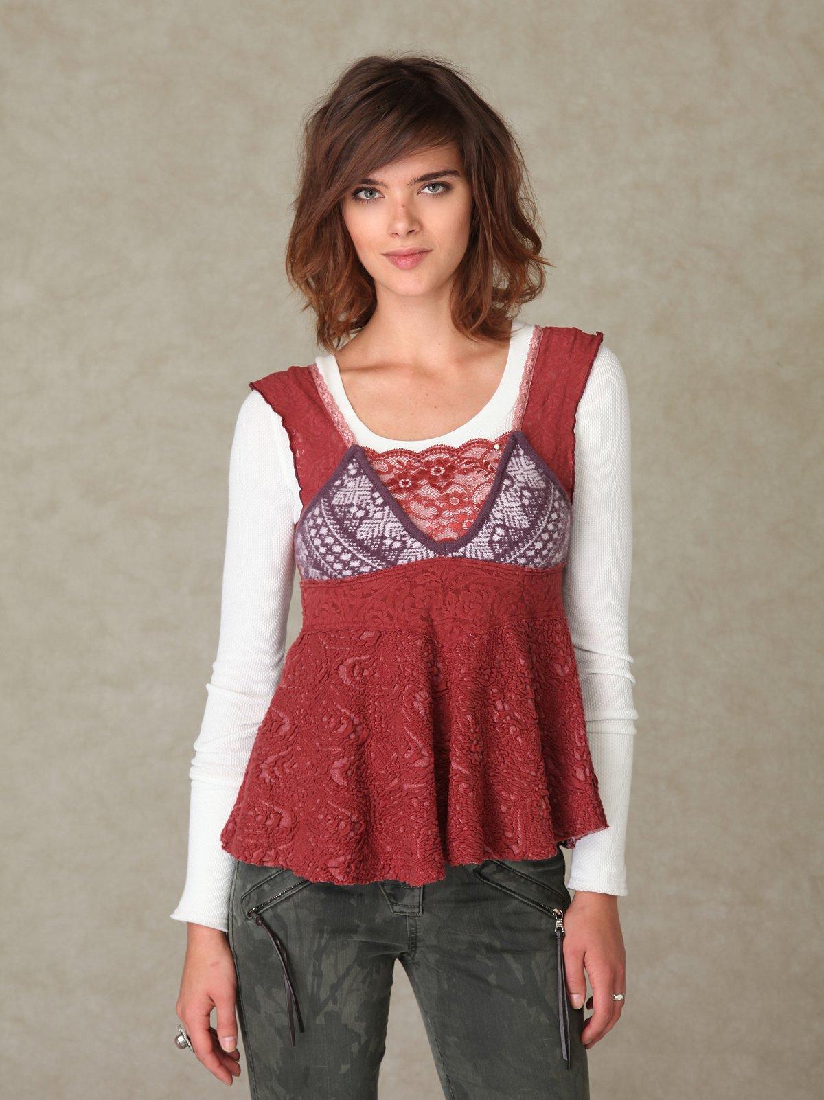 Sleeveless Sweater & Lace Tunic