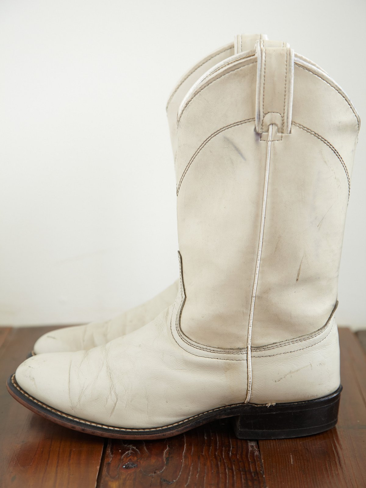 Vintage Round Toe Western Boot