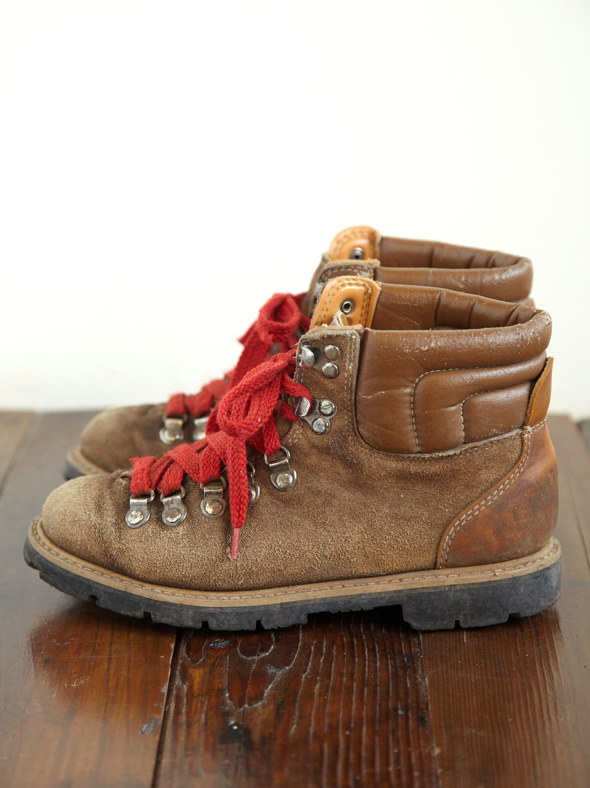 Vintage Mountain Boot
